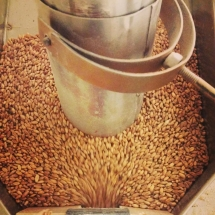 Grain feeding into the mill